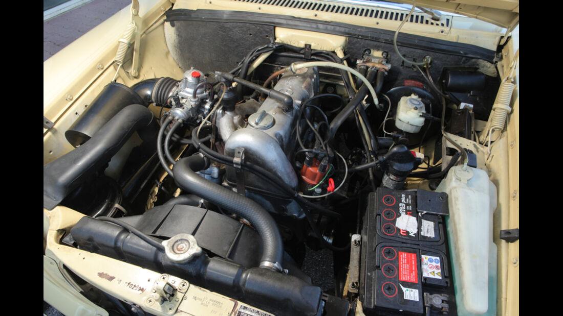 Mercedes-Benz 230.4, Motor