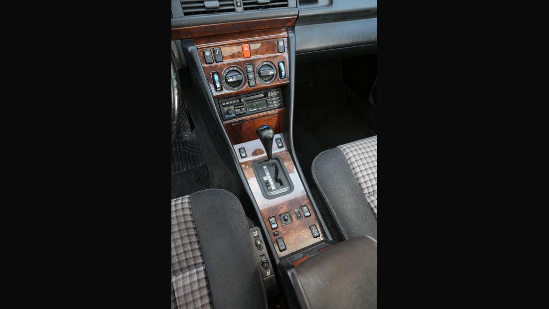 Mercedes-Benz 230 CE, C124, Mittelkonsole