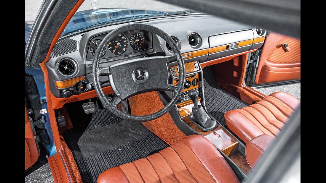 Mercedes-Benz 230 CE, Cockpit