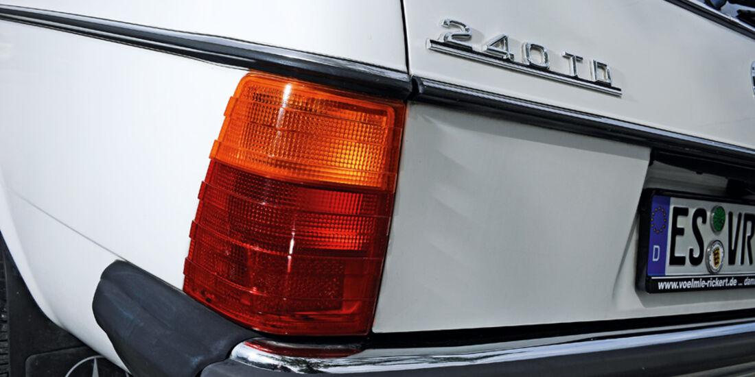 Mercedes-Benz 240 TD, Heck, Typenbezeichnung