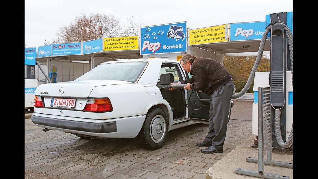 Mercedes-Benz 250 D, Heckansicht, Alf Cremers