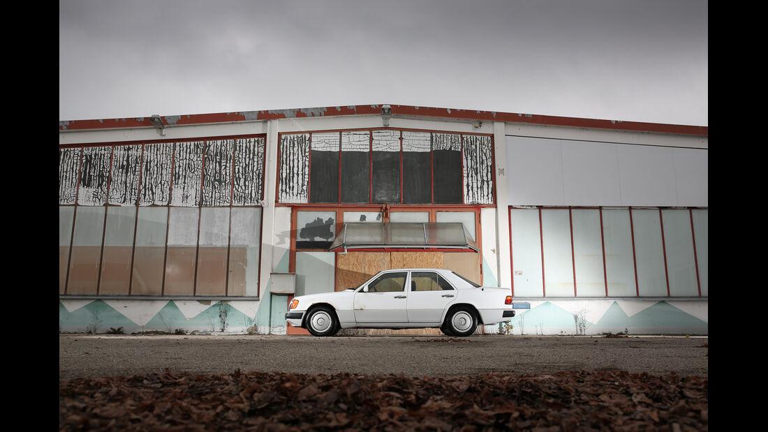 Mercedes-Benz 250 D, Seitenansicht