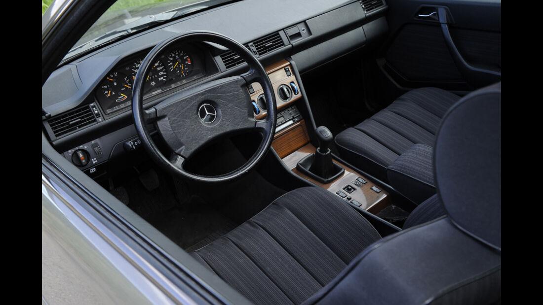 Mercedes-Benz 300 CE, C 124, Baujahr 1988, Cockpit