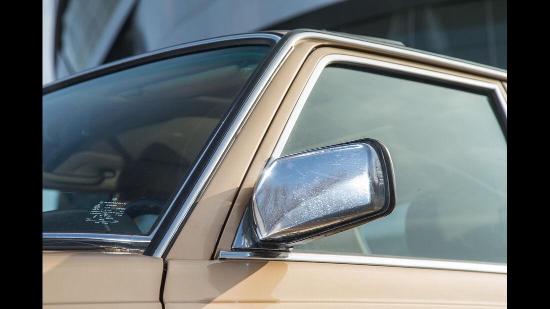 Mercedes-Benz 300 D, Seitenspiegel
