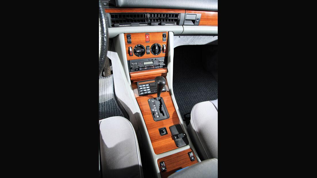 Mercedes-Benz 300 SE, Mittelkonsole