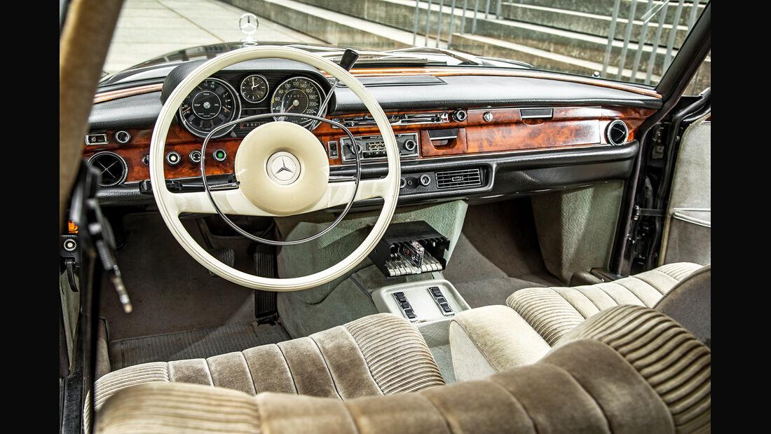 Mercedes-Benz 300 SEL 3.5, Cockpit