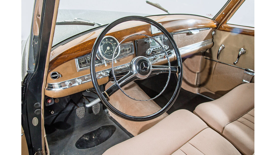 Mercedes-Benz 300, W186/II, Cockpit