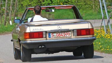 Mercedes-Benz 350 SL, Heckansicht