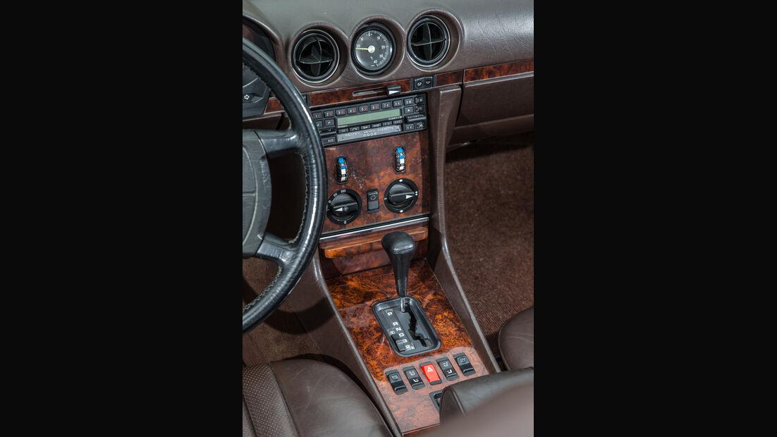 Mercedes-Benz 500 SL, Mittelkonsole