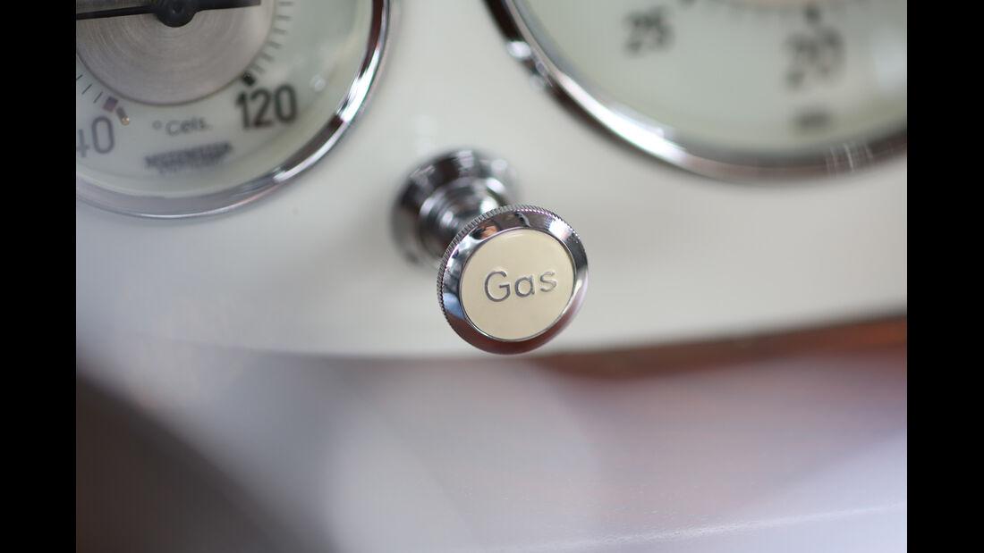 Mercedes-Benz 540 K Stromlinienwagen, Gashebel