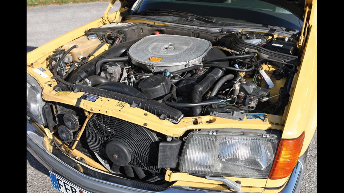 Mercedes-Benz 560 SEL, Baujahr 1986, Motor