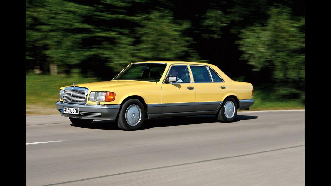 Mercedes-Benz 560 SEL, Seitenansicht