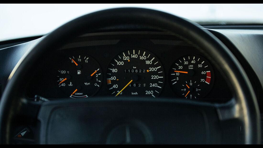 Mercedes-Benz 560 TEL (1990) Caro Instrumente