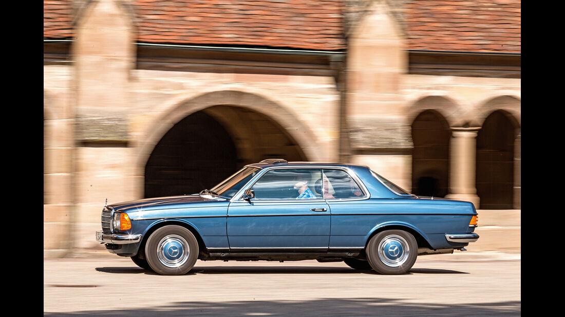 Mercedes-Benz C123, Seitenansicht