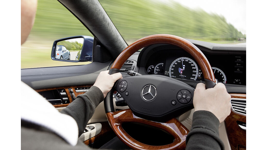Mercedes-Benz CL 2010, Toter-Winkel-Assistent, Cockpit, Luxus-Coupé