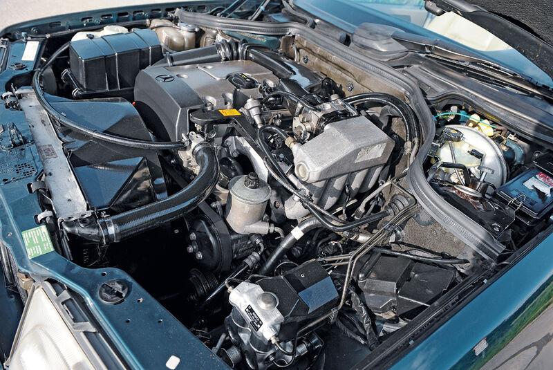 Mercedes-Benz E 200 Cabriolet, A 124, Baujahr 1997, Motor