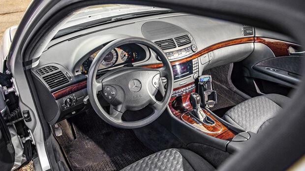 Mercedes-Benz E 280 CDI T, Interieur