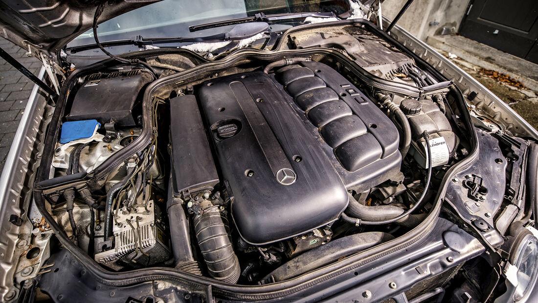 Mercedes-Benz E 280 CDI T, Motorraum