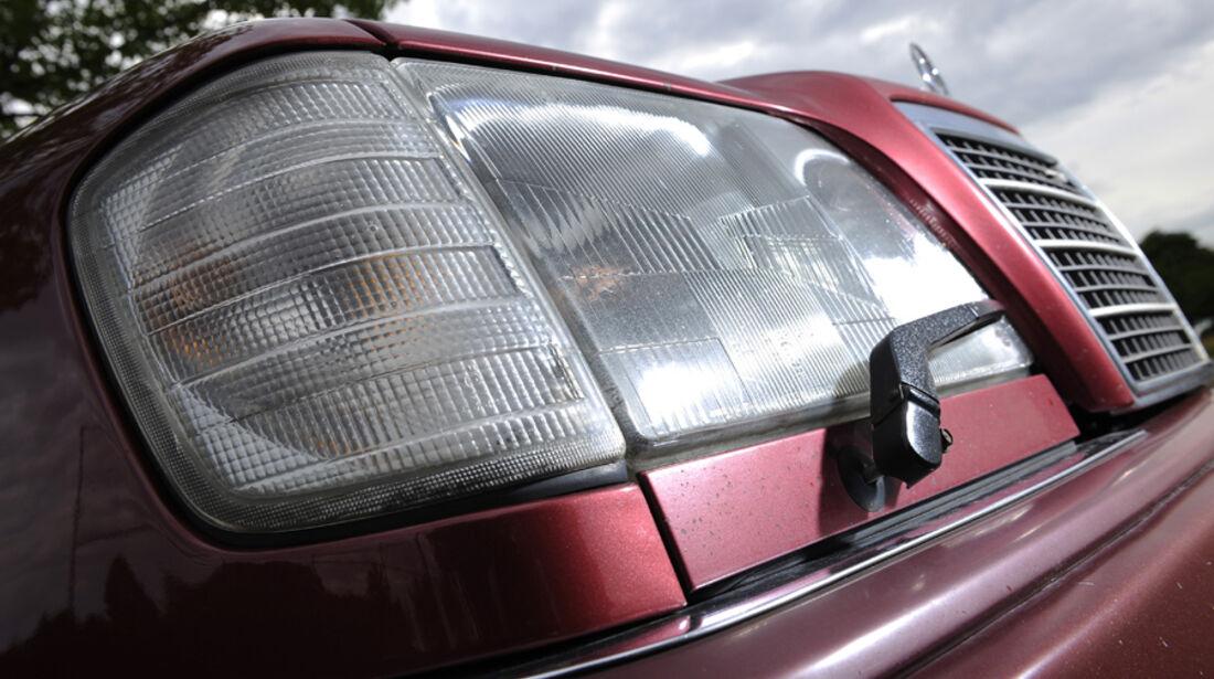 Mercedes-Benz E 280 T, Frontlichter, Kühlergrill