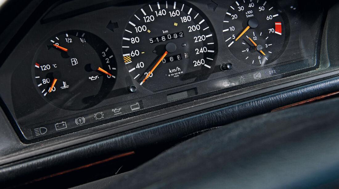 Mercedes-Benz E 280 T, Rundinstrumente