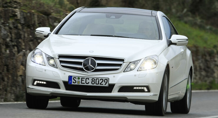 Mercedes Benz E 350 CGI Coupé