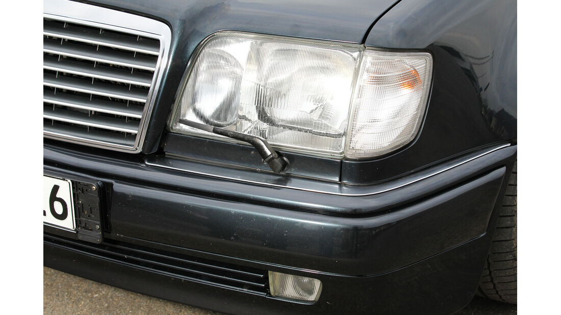 Mercedes-Benz E 500, Frontscheinwerfer