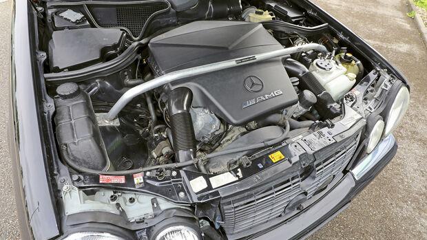 Mercedes-Benz E 55 AMG, Motor