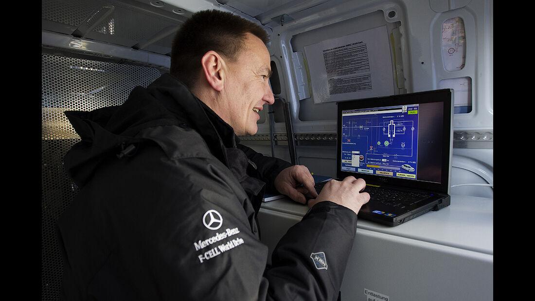 Mercedes-Benz F-Cell World Drive