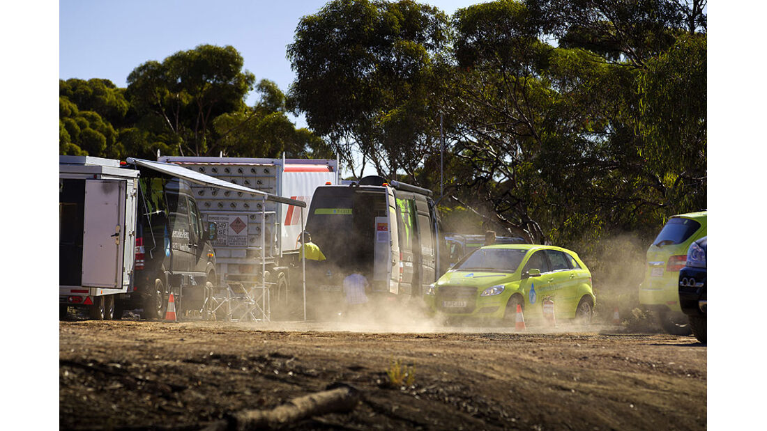 Mercedes-Benz F-Cell World Drive, Mercedes B-Klasse F-Cell, Tag 37, Balladonia-Boondi Rock