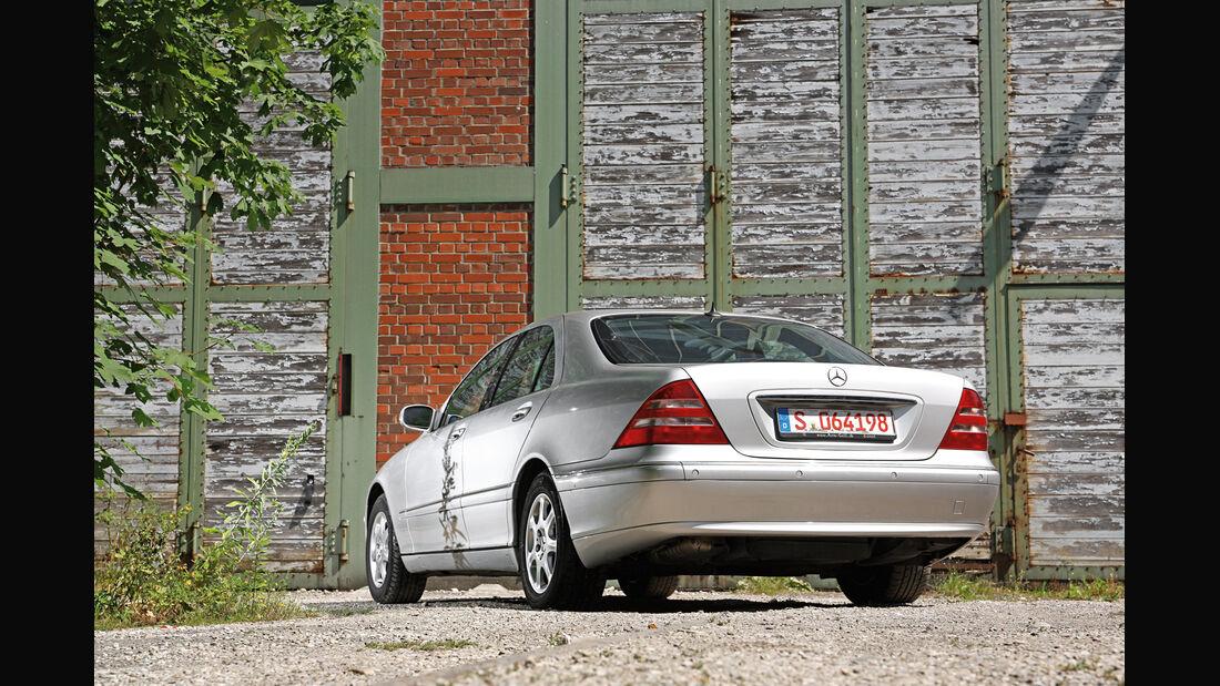 Mercedes-Benz S 320, Heckansicht