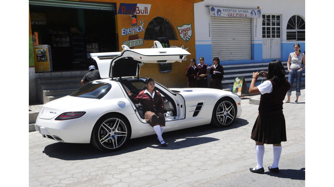 Mercedes-Benz SLS AMG Flügeltüre