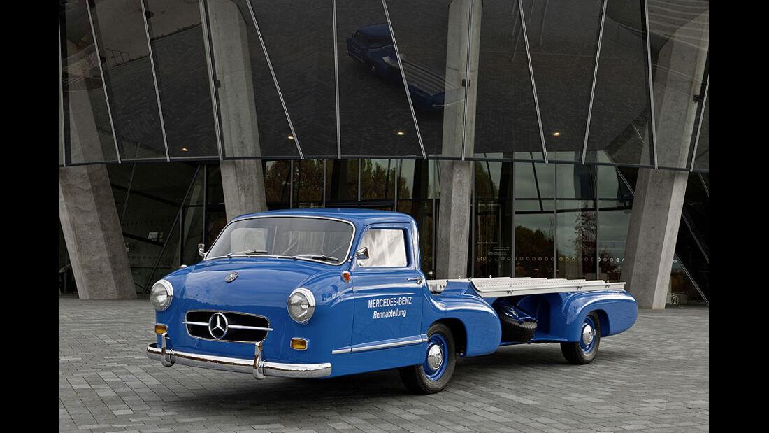 Mercedes-Benz Silberpfeil Transporter Nachbau