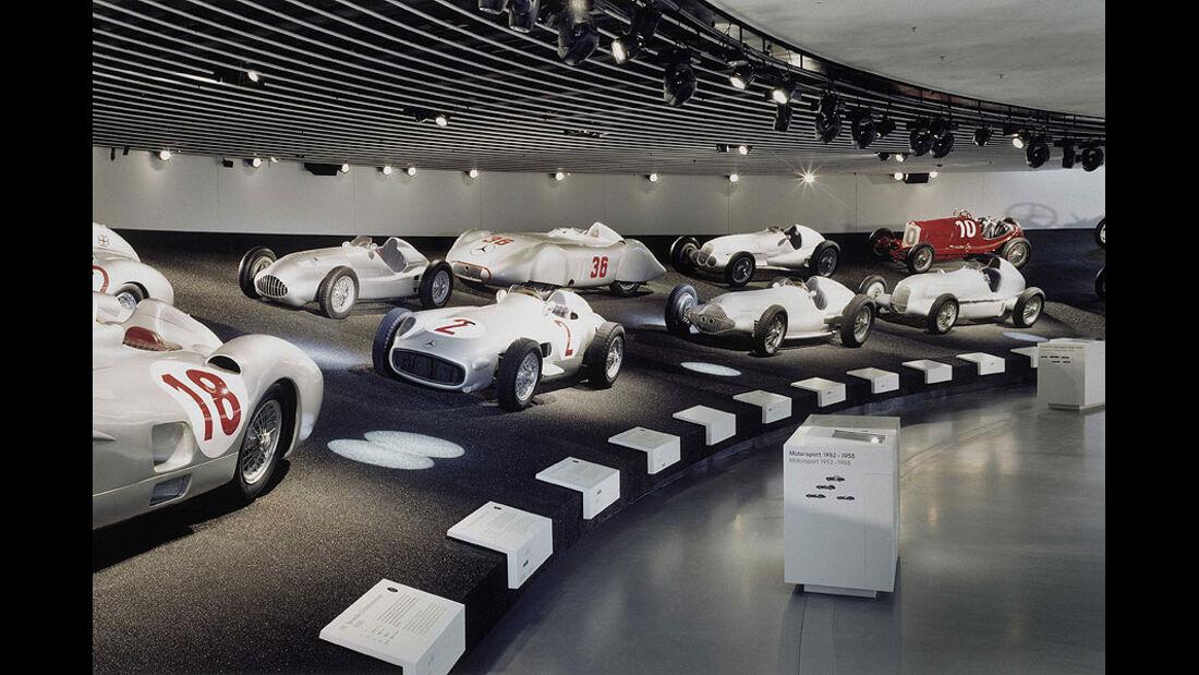 Mercedes-Benz Silberpfeile im Museum