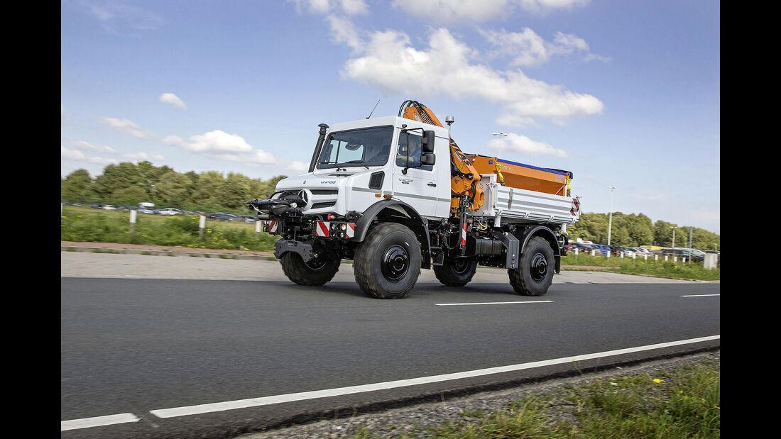 Mercedes-Benz Unimog U 5023, Exterieur, weiß, OM 934 Euro VI mit 170 kW (231 PS), 5,1 L Hubraum, Getriebe UG 100/8, zuschaltbarer Allradantrieb