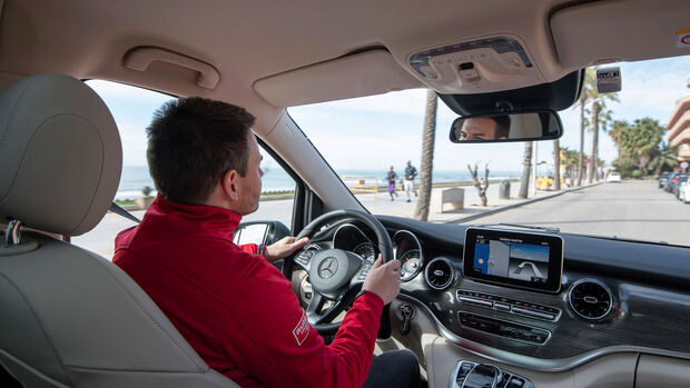 Mercedes-Benz V300d 4Matic, Cockpit