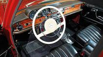 Mercedes-Benz W 108, Cockpit, Lenkrad