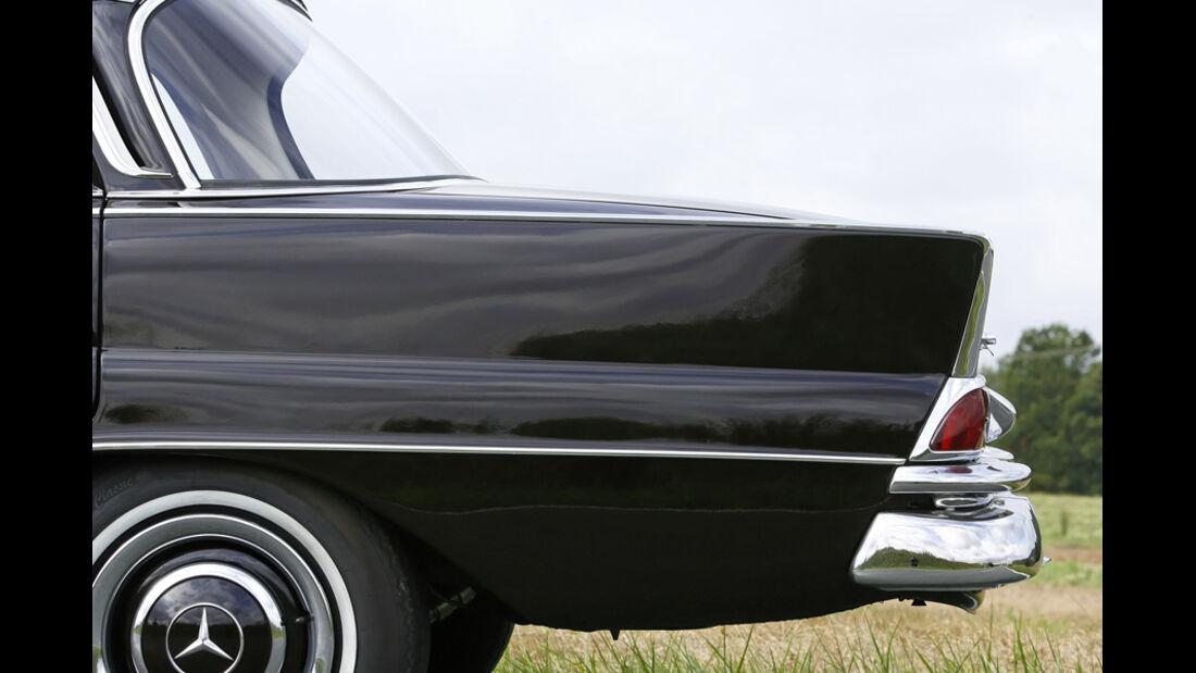 Mercedes-Benz W 111 Heckblech