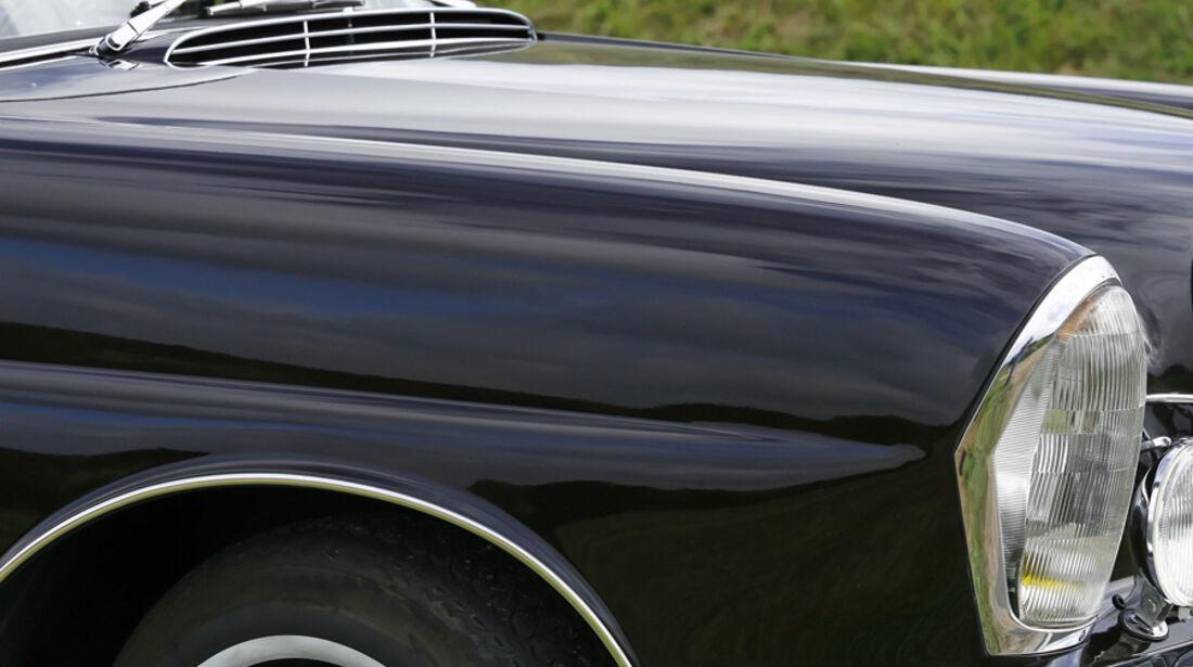 Mercedes-Benz W 111 Kotflügel