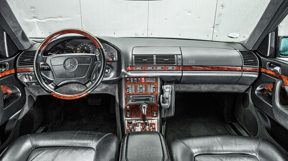 Mercedes-Benz W140, Cockpit