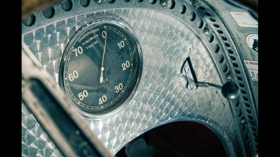 Mercedes-Benz W25, Silberpfeil, Drehzahlmesser