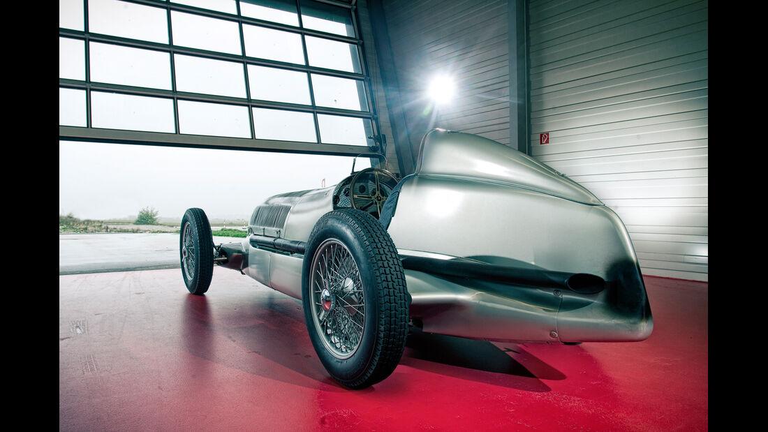 Mercedes-Benz W25, Silberpfeil, Heckansicht