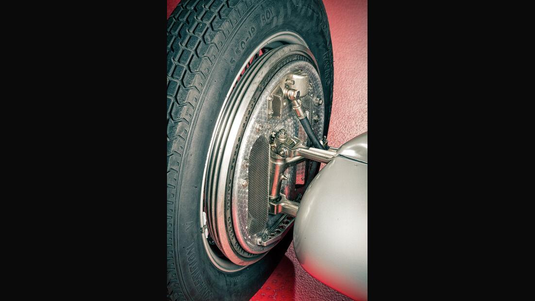 Mercedes-Benz W25, Silberpfeil, Radaufhängung