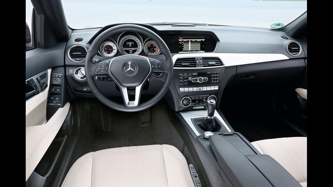 Mercedes C 180 CDI, Cockpit, Lenkrad