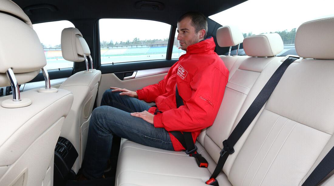 Mercedes C 180 CDI, Rücksitz, Beinfreiheit