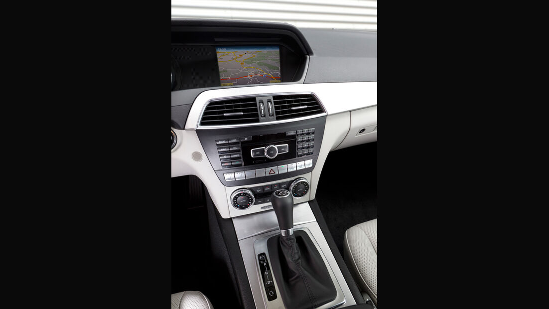 Mercedes C 180 CDI T Avantgarde, Mittelkonsole