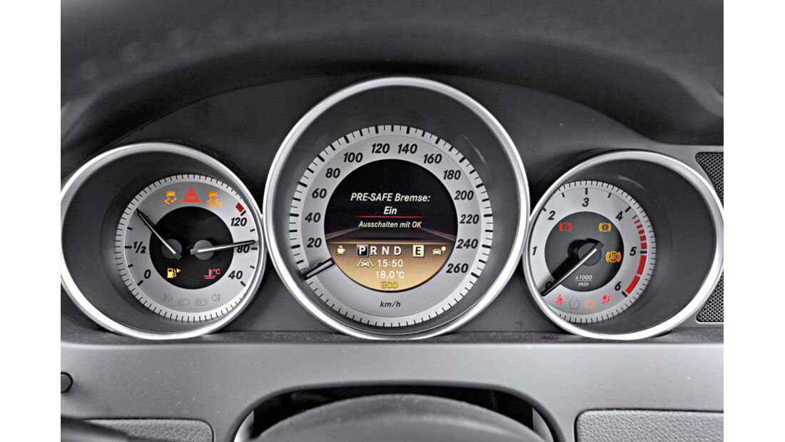 Mercedes C 180 CDI T Avantgarde, Rundinstrumente