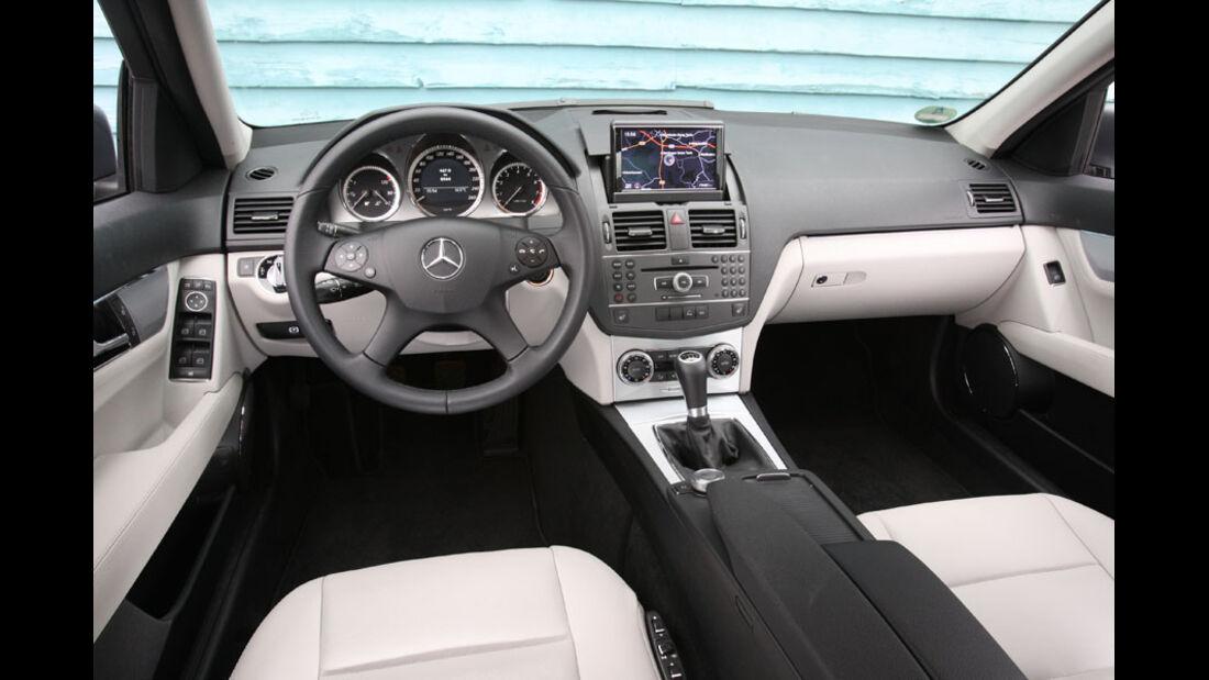 Mercedes C 180 CGI, Innenraum, Cockpit