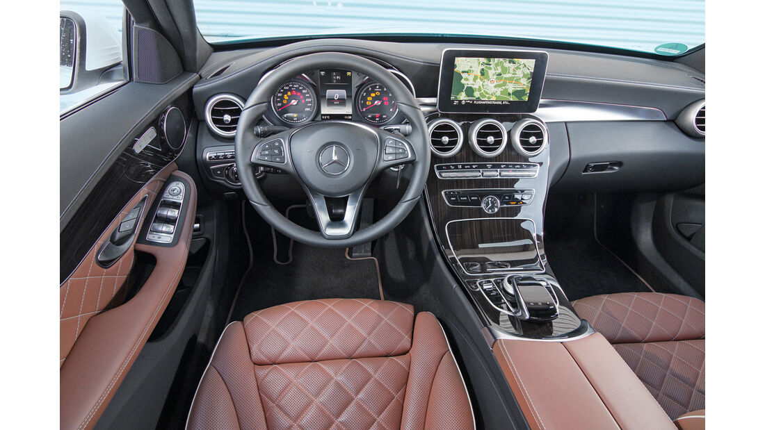 Mercedes C 180, Cockpit