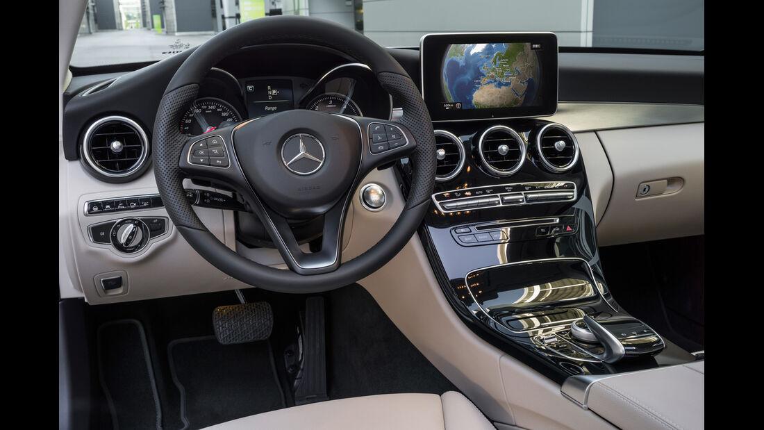 Mercedes C 180, Cockpit, Lenkrad