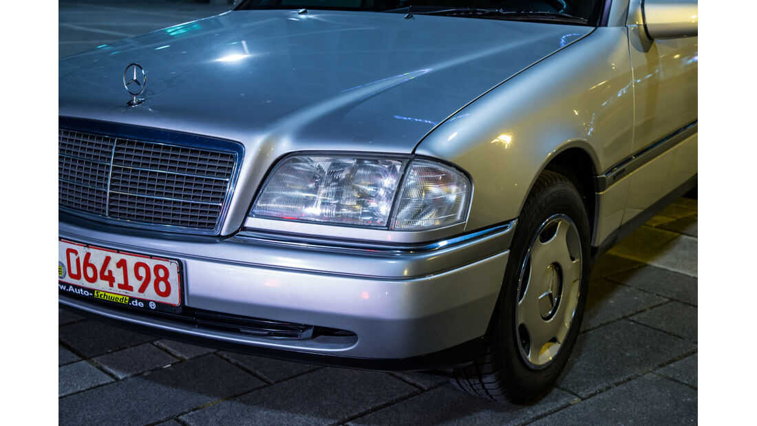 Mercedes C 180, Frontscheinwerfer